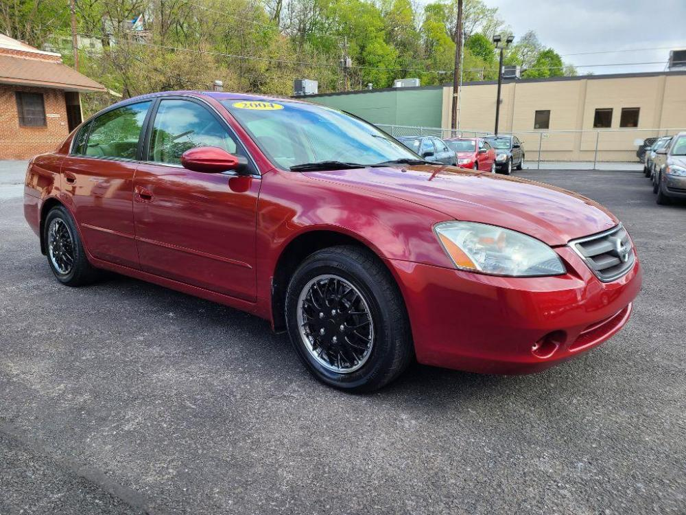 2004 RED NISSAN ALTIMA BASE (1N4AL11D04C) with an 2.5L engine, 4-Speed Manual transmission, located at 131 North Cameron Street, Harrisburg, 17101, (717) 257-0766, 40.266991, -76.875137 - Photo #6